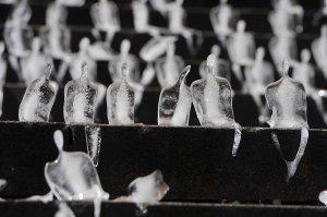 ice-sculptures-remember-the-fallen-of-world-war-4